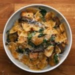 One-Pot Chicken And Mushroom Pasta